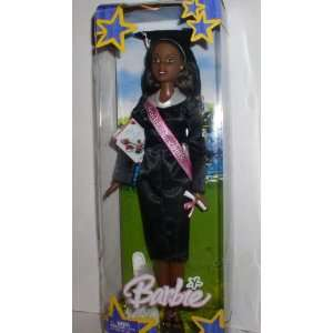 BARBIE AFRICAN AMERICAN 2005 GRADUATION DOLL Toys & Games