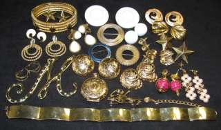 VINTAGE JEWELRY LOT GOLD TONE METAL LOCKET EARRING NECKLACE CIRCLE