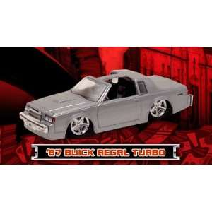 Maisto G Ridez Silver 1987 Buick Regal T Type 164 Scale