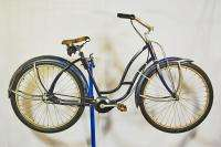Hawthorne Ladies balloon tire Bicycle w/ Dana 3 Speed crank 1940s