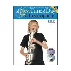 Tune A Day for Alto Saxophone Book 1 Book/CD/DVD (Standard) Musical