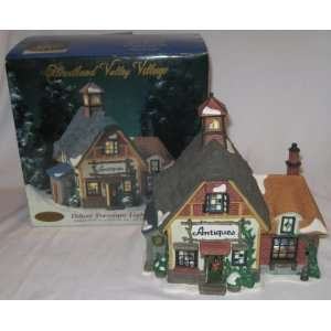 Heartland Valley Village Porcelain Lighted Antiques Shop House