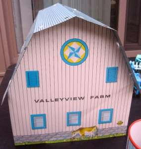 VINTAGE OHIO ART TIN LITHOGRAPH VALLEY VIEW FARM TOY PLAY SET