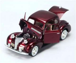 1939 Chevy Coupe Hard op   124 Scale Diecas Car   Burgundy