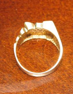14K solid yellow gold Mans ring 9.70Grams (not scrap) Excellent