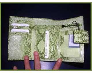 Portafoglio donna in pelle snaker verde a Roma    Annunci