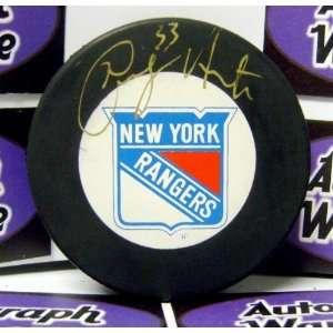 Hockey Puck (New York Rangers)   Autographed NHL Pucks Sports
