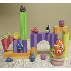 Hard to Find Exclusive Finding Nemo 21 Piece Bath Toy Playset