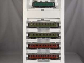 TRAINS   HO SCALE ROCO 44096 PASSENGER 5 CAR MODEL TRAIN SET